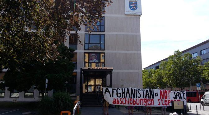 Darmstadt: Protestaktion gegen Sammelabschiebung nach Afghanistan